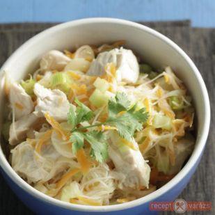 Könnyű thai saláta csirkemellel recept - Saláták - Receptvarázs – receptek képekkel