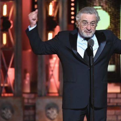Állva tapsolták Robert De Nirót a díjátadó gálán, miután élő adásban azt üzente Trumpnak, bassza meg