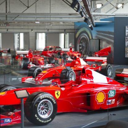 Leleplezték az egyedülálló gyűjteményt Schumacher karrierjéről