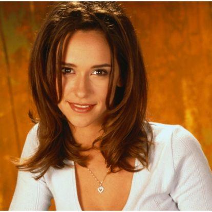 Jennifer Love Hewitt bocsánatot kért vörös szőnyeges megjelenése miatt