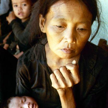 30 lenyűgöző fotó a vietnámi háború emberi oldaláról