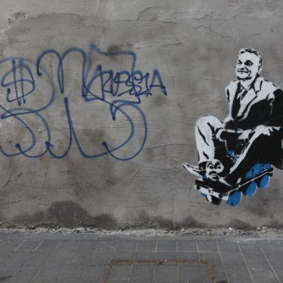 Újabb Orbán-graffiti bukkant fel, most a Szent János Kórház falán