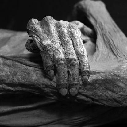 Perui régészek 24 múmiára bukkantak egy inka tömegsírban