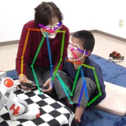Tanuló robot segít autista gyerekeken