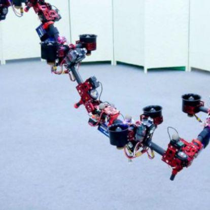 Repülés közben vált alakot a robotsárkány
