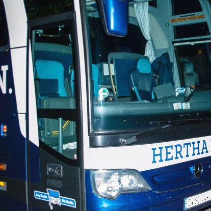 Rivális szurkolók rongálták meg Dárdaiék csapatbuszát