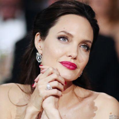 Angelina Jolie terhes új barátjától?