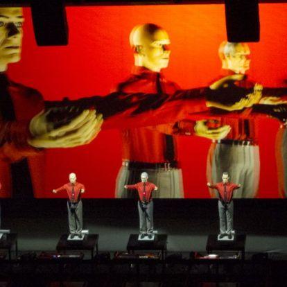 Az űrből adott duettet egy asztronauta a Kraftwerk koncertjén