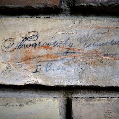 Budapesti téglái – Facebook-oldalon a kortörténeti fővárosi üzenetek
