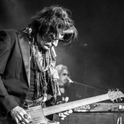 Koncertvideót forgatott 'Aye, Aye, Aye' című szólódalához Joe Perry, az Aerosmith gitárosa   Rockbook.hu