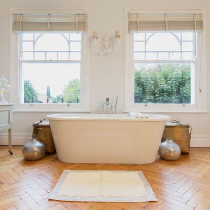 A fürdő, mint szoba – Válogatás a legotthonosabb helyiségekből