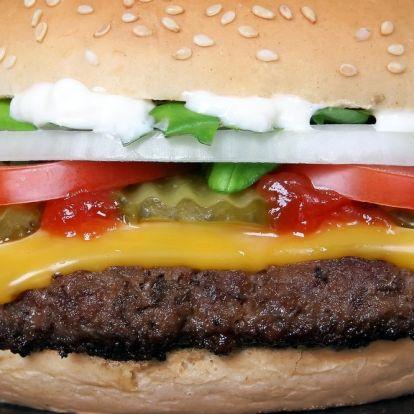 Milliókat csaltak el McDonald's sorsjegyekkel