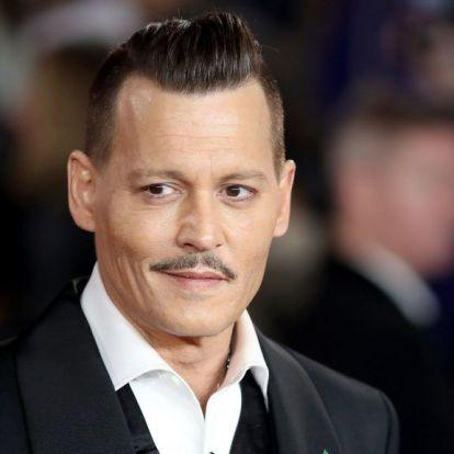 Johnny Depp balhéi miatt halasztották el egy film premierjét