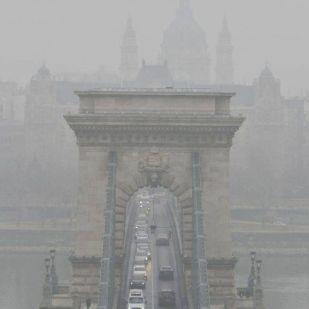 A nemdohányzó budapestiek is naponta három szál cigit tüdőznek le