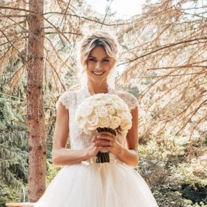 Gyönyörű képek érkeztek Weisz Fanni esküvőjéről
