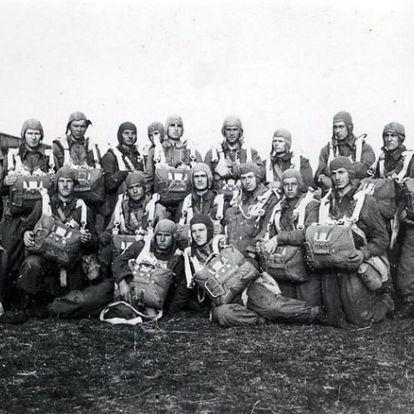 """""""Az ország első katonája"""" – feltárul a magyar katonai ejtőernyőzés százéves történelme"""