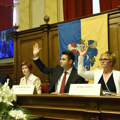Márki-Zay meghívta Hadházyt és Jeszenszky Gézát Hódmezővásárhelyre, a Fidesz szerint pártot alapítanak