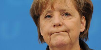 Merkel: állandó párbeszédet kell folytatni Oroszországgal