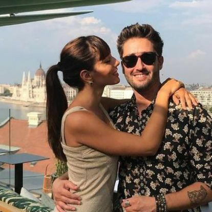 Luxuskörülmények között ünnepelt Király Viktor és barátnője
