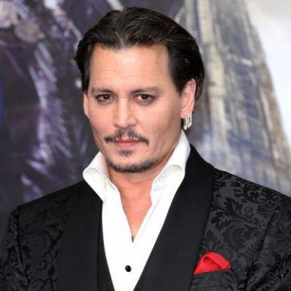 Johnny Depp elmondta a verzióját az esetről, amikor megütött egy stábtagot