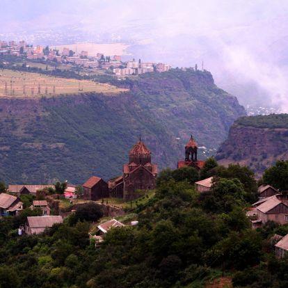 Kolostorok völgye: a Debed kanyon