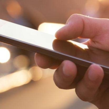 Az okostelefon átalakítja kezünket