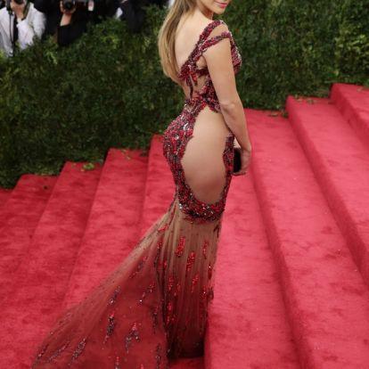 Jennifer Lopez esküszik arra, hogy ebben a leggingsben minden nőnek tökéltes lesz a feneke