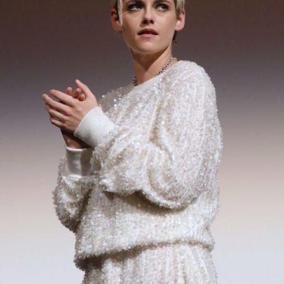 Kristen Stewart ruhája gyakorlatilag csak flitterből áll