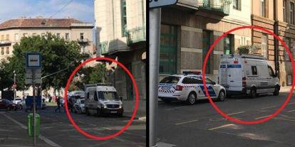 Friss: Kamerás autókkal vette körbe a rendőrség az ellenzéki tüntetést, mindenkit meg fognak figyelni (+fotók)