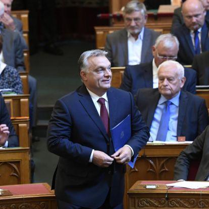 Orbán Viktor: Azért támadják a nemzetet, mert úgy döntöttünk, hogy mi nem leszünk bevándorlóország