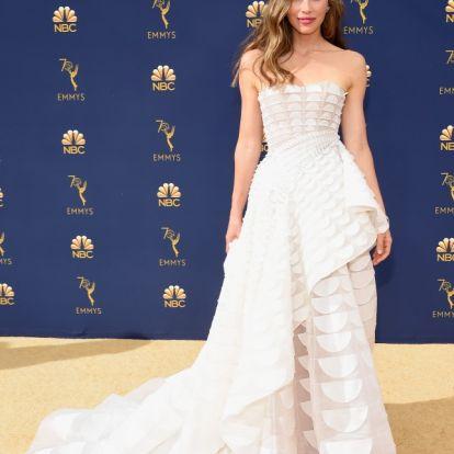 A divatbakik uralták az Emmy-gála vörös szőnyegét