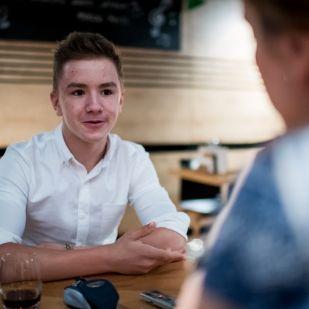 """""""Nem vagyok csodagyerek!"""" – Interjú egy elképesztő fiatal youtuberrel"""