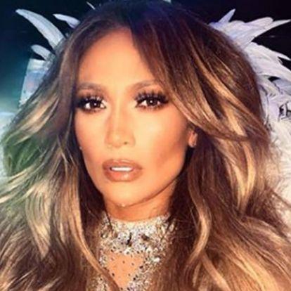 Jennifer Lopez elesett a színpadon, menő, ami ezután történt