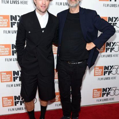 Hm, de jó Robert Pattinson szettje, gondolod, aztán lejjebb görgetsz