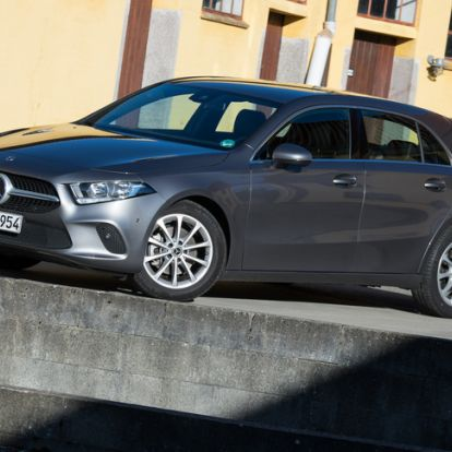 A Mercedes tabletje - Menetpróba: Mercedes-Benz A200 – 2018.
