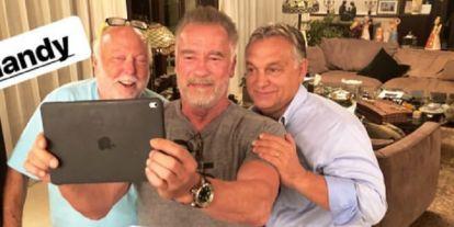 Nagy buli volt este Vajna Timiéknél: Az Orbán-család és Schwarzenegger is beugrott (+képek)