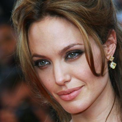 Angelina Jolie a 4. férjét keresi?