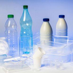 2020-ig adna időt a műanyagnak ez az európai ország