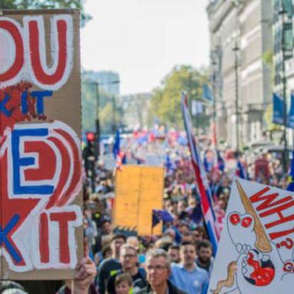 Több mint félmillióan követeltek második népszavazást