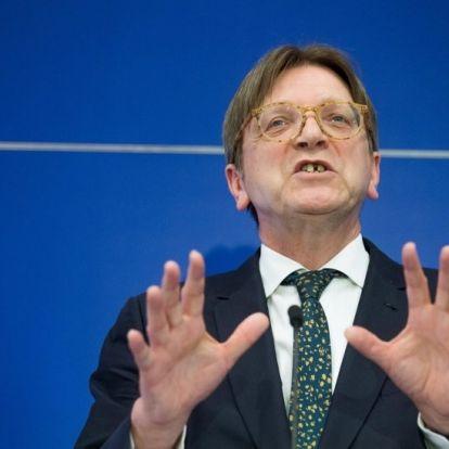 Kovács kormányszóvivő felpofozta a fogtündér Verhofstadtot