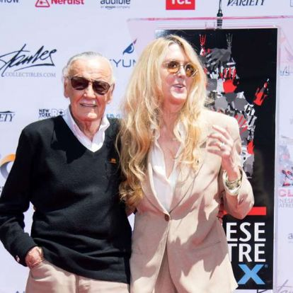 Stan Lee lányával új szuperhősön dolgozott halála előtt