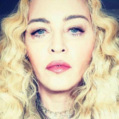 Madonna egyszerre mutatta meg mind a hat gyerekét