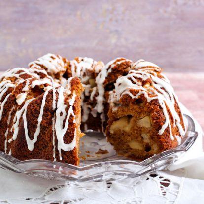 Diós-almás kuglóf 10 perc munkával: minden alkalomra tökéletes ez a puha süti