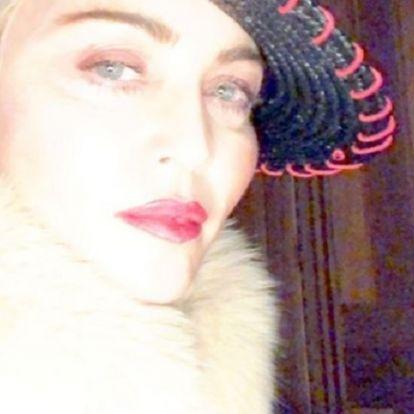 Madonna szexi pucér fotóval lepte meg rajongóit