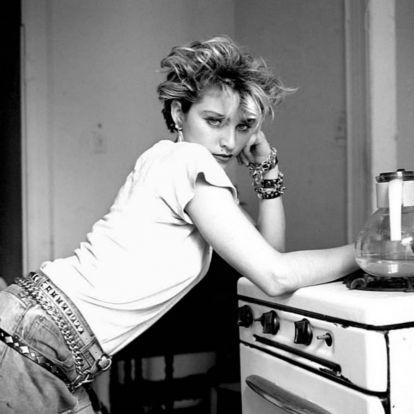 Madonna gáztűzhellyel emlékezik AIDS-ben elhunyt barátaira