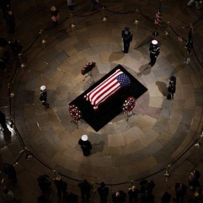 Ők lesznek ott idősebb George Bush temetésén
