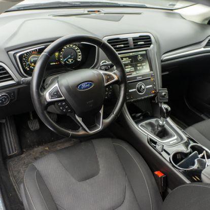 Pusztul-e vagy vehető a fiatal Mondeo? - Használtteszt: Ford Mondeo 2,0 TDCi Titanium – 2015.