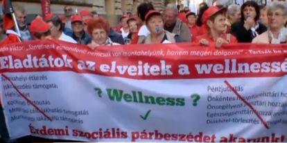 A Fidesz gyorsan lépett: egyszerre szavaznának a 2800 javaslatról a túlóratörvény kapcsán