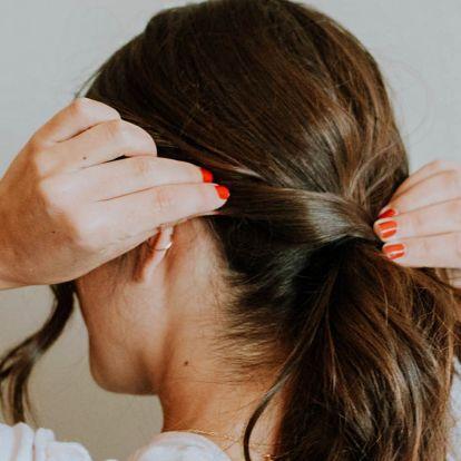 Szebb lesz a copf, ha így készíted el: rendezett, nőies frizura 5 perc alatt
