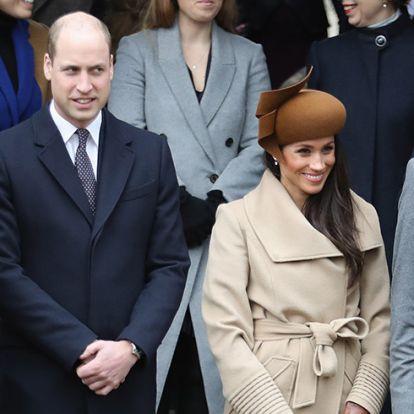 Ezért viselnek a királyi család tagjai egyforma cipőt